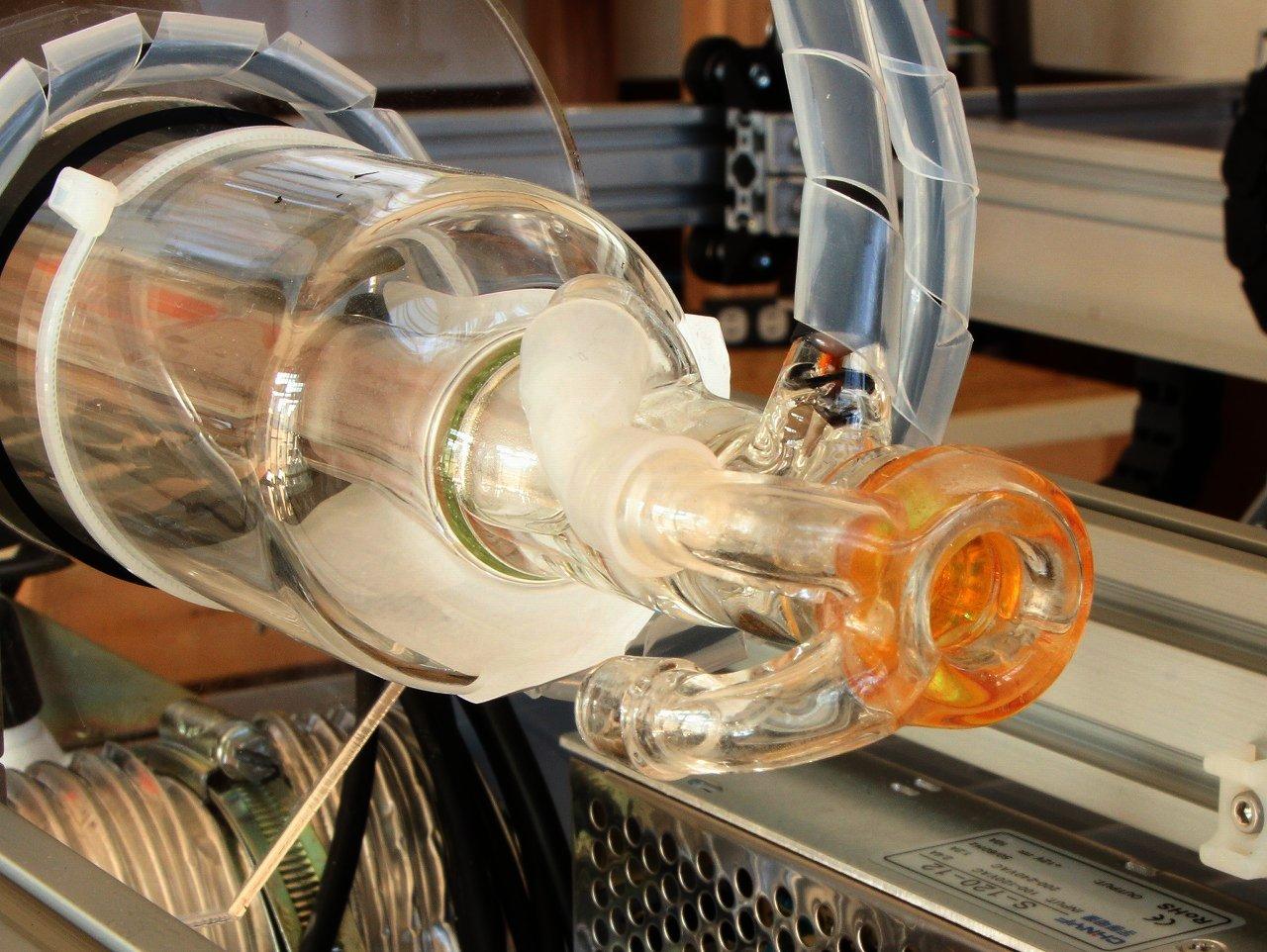CO2レーザー加工機(カッター) 構造編 レーザー管の画像