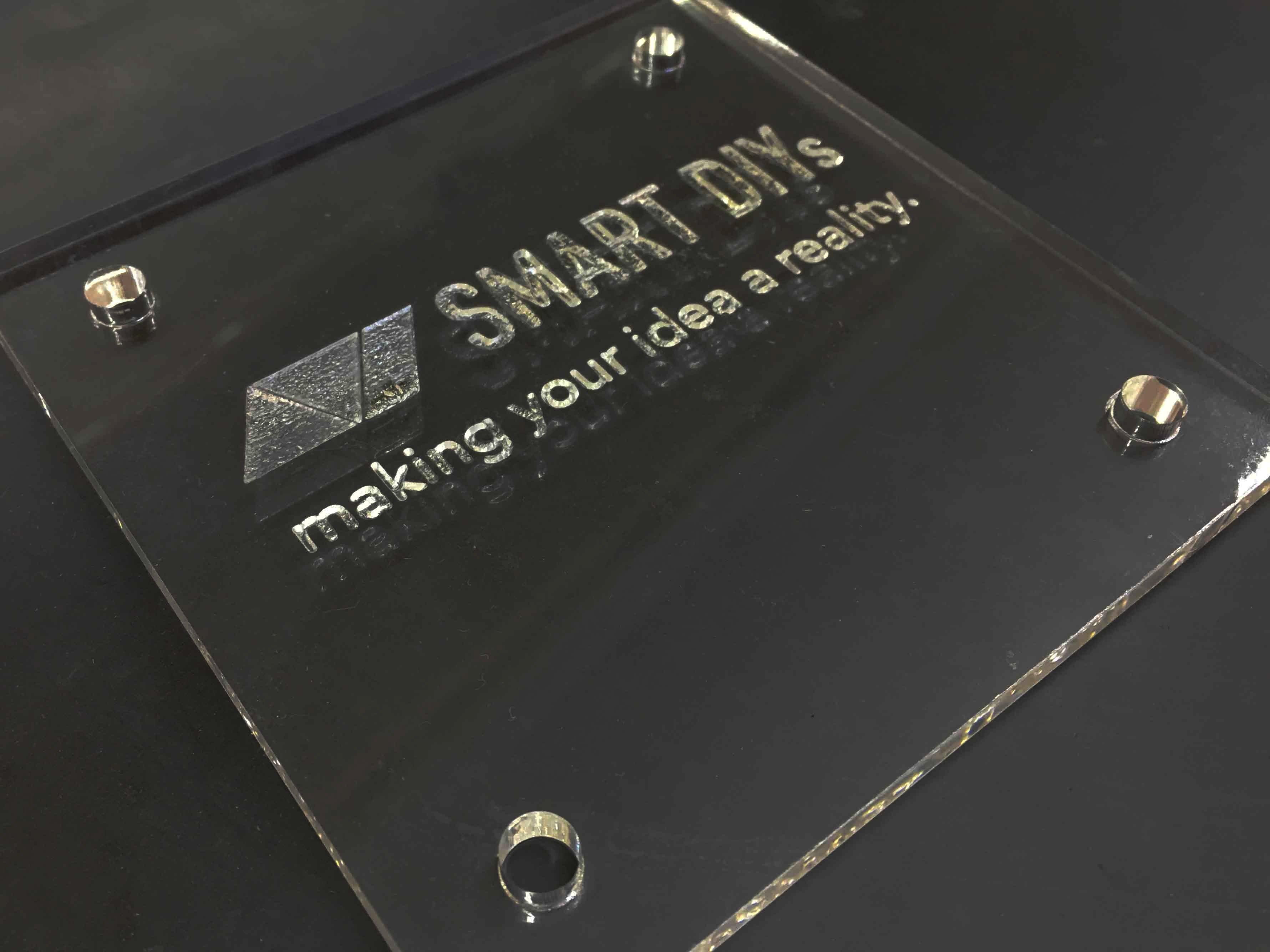 アクリル板で表札作りーベクター加工VSラスター加工ー
